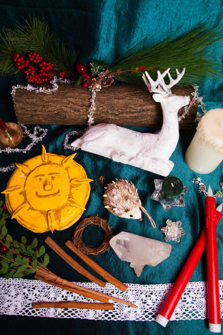 10 Ways To Celebrate Yule | Uncustomary