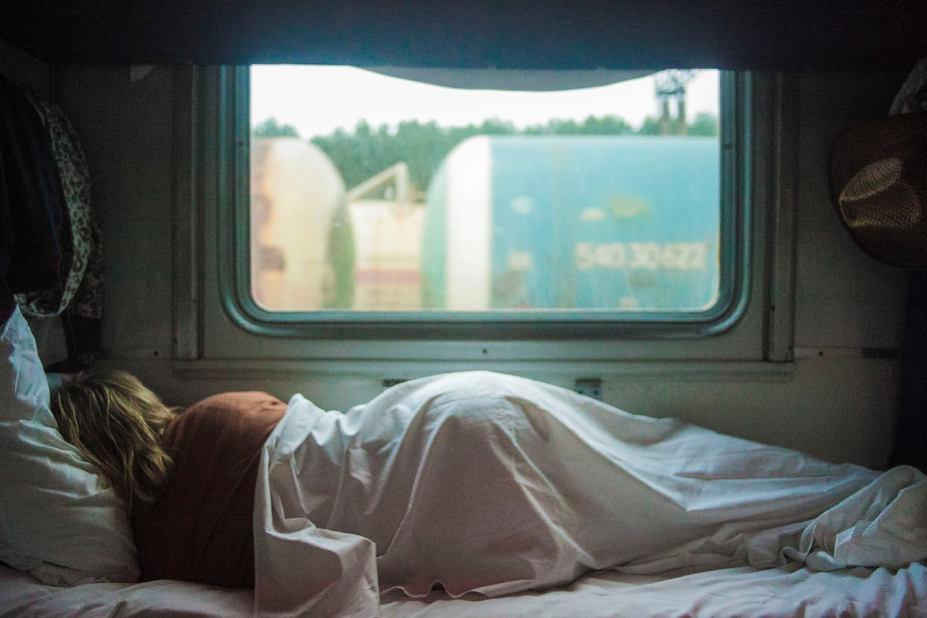 5 Reasons Why It's Dangerous To Not Get Rest While Traveling | Uncustomary