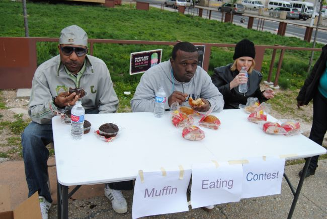 Impromptu Muffin Eating Contest On The Street Of Baltimore | Uncustomary Art